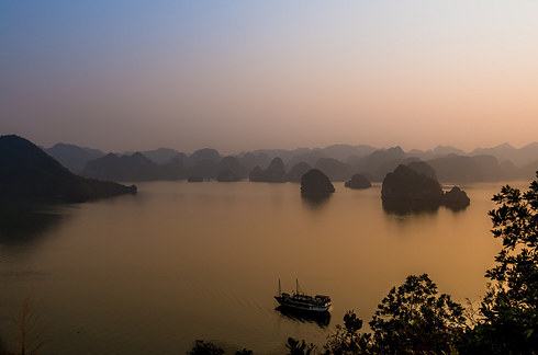 Ha-Long-Bay-2