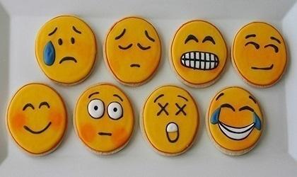 Emoji-Dried-Persimmon